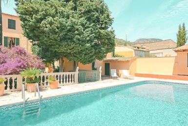 house with pool in AlaroCasa con piscina en Alaró